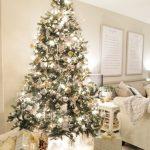 白クリスマスツリー