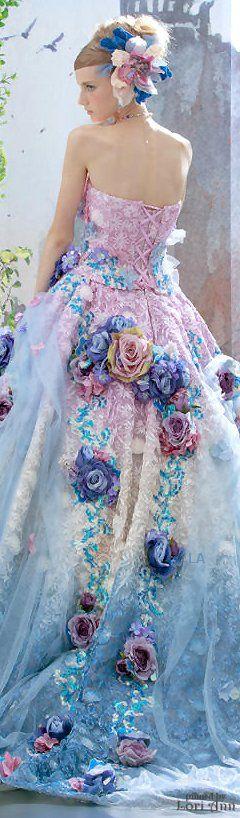 10フラワーウェディングドレス