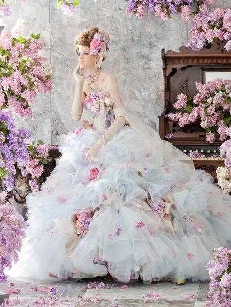 6フラワーウェディングドレス